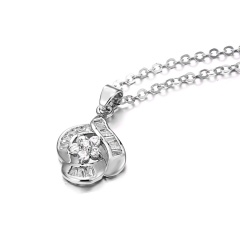 Fashion Crystal Hollow Flower Pendant Necklace Silver