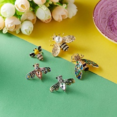 New Natural Animals Jewelry Brooch Pins Bee Dragonfly Butterfly Insect Brooches For Women Man Costume Brooch Pins Gift bee1