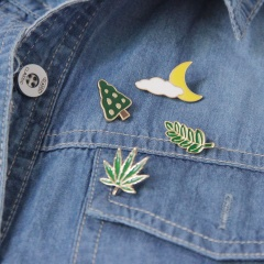 Free Shipping Cute Leaves Clouds Moon Tree Maple Leaf Enamel Brooch Pin Jeans Clothes Badge Fashion Jewelry Wholesale For Women leaf1