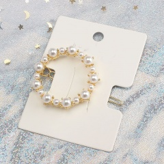 Pearl Butterfly Triangle Hairclip Round
