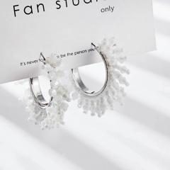 Geometric crystal rice bead earrings White