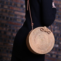 Round Rattan Handmade Wicker Woven Crossbody Handbag Women Shoulder Bag 22*11cm