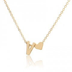 Fashion 26 Letter with Heart Pendant Necklace Gold Chain Short Alloy Necklace Jewelry Gift V