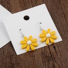 Resinous Daisy flower earrings yellow