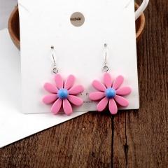 Resinous Daisy flower earrings pink