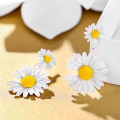 Daisy flower earrings 1