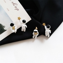 Astronaut five-pointed Star stud earrings spaceman