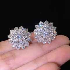 Snow flower studded with diamond stud earrings Silver