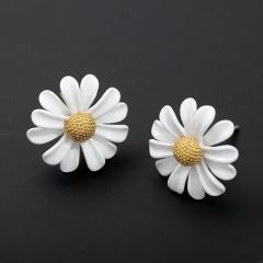 Daisy short enamelled stud earrings Stud earrings