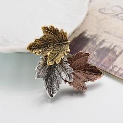 Maple leaf brooch collar 1