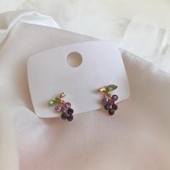 Cute Romantic Creative Asymmetric Earrings Personality Popular Retro Tassel Earrings 2020 Purple Grapes Stud Earrings for Women Grape
