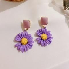 Purple Daisy Petal Stud Earrings Purple