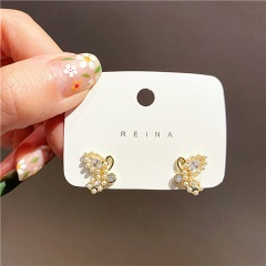 Small pearl butterfly stud earrings Butterfly