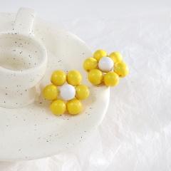 Macaron Color Fresh Flower Stud Sweet Earrings Yellow