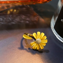 Daisy Paint Opening Adjustable Rings Yellow