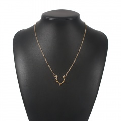 Simple Elk Pendant Christmas Festival Chain Necklace Jewelry Gold