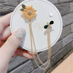 Yellow Bee Flower Chain Pins Brooches Jewelry Wholesale Yellow