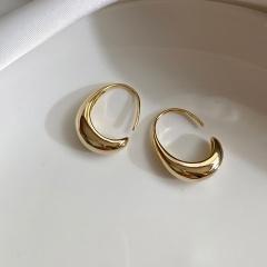 Fashion Golden C-shaped Geometric Hoop Earrings Wholesale Gold