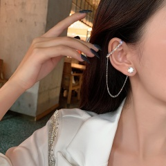 1 Piece Asymmetric Rhinestone Ear Bone Earrings style 1
