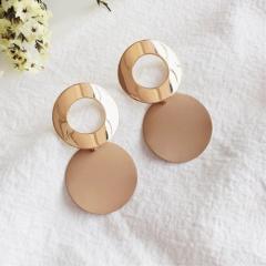 Geometric hollow round stud earrings beige