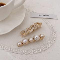 Hollow chain pearl acrylic duckbill clip  hairpin 2pcs/set  (Length 8cm) Beige