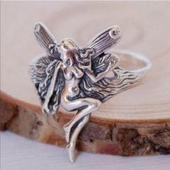 Vintage angel wings ring (size #7) Ancient silver