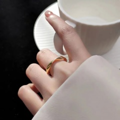 Simple Wave Glossy Twisted Open Ring gold