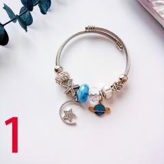 Natural stone crystal imitation pearl pendant beaded bracelet (diameter 5cm) 1